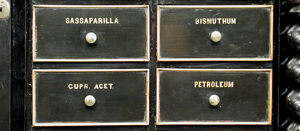 Cassetti farmacia omeopatica
